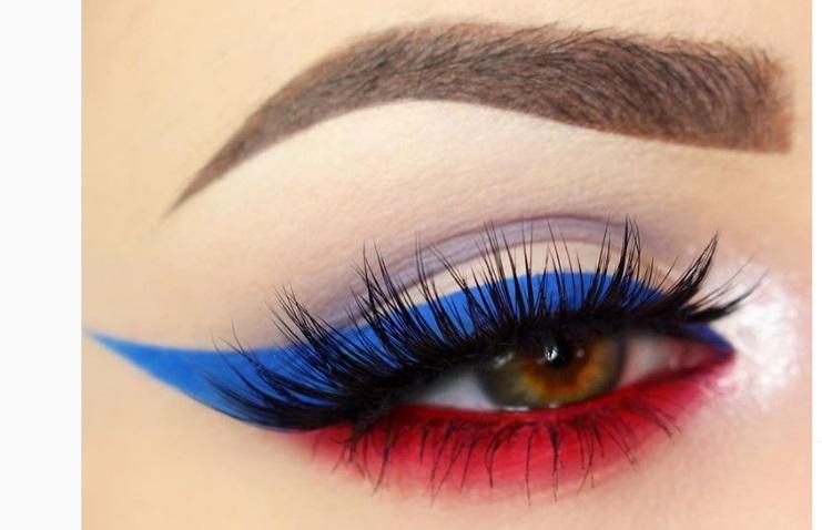 Blue Winged Eyeliner